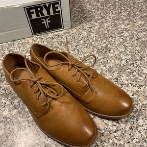 Frye oxfords in light brown size 9 GUC